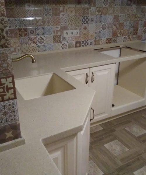Заказать Столешница для кухни Tristone F105 в Москве