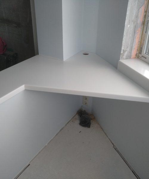 Подоконник из искусственного камня + угловой стол